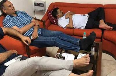 Arvind Kejriwal's sit-in protest at Lt Governor's house continues for second day