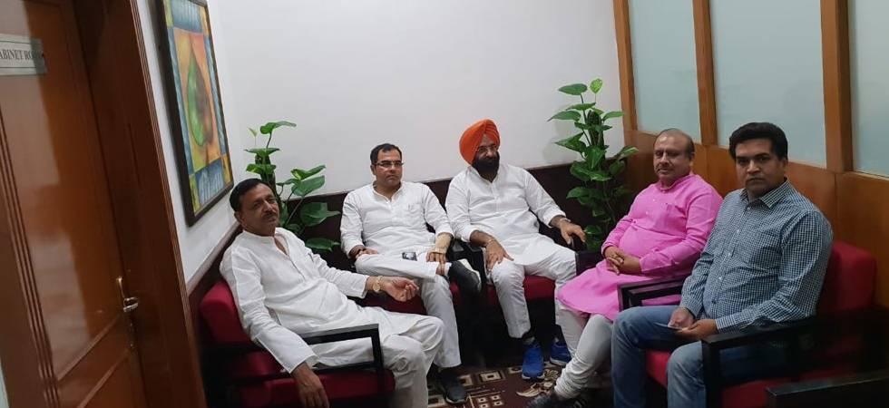 Delhi BJP leaders along with sacked AAP MLA Kapil Mishra at CM office (Photo: Twitter/KapilMishra)