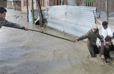 Flood alert in Jammu and Kashmir as Jhelum flows above critical mark; school closed