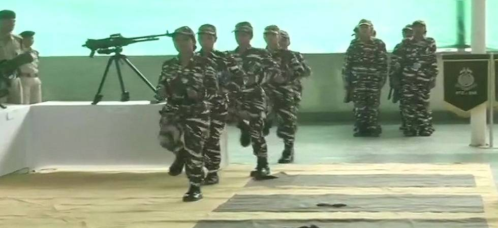 CRPF inducts 500 women personnel to counter protestors in Kashmir (Photo:Twitter/ANI)