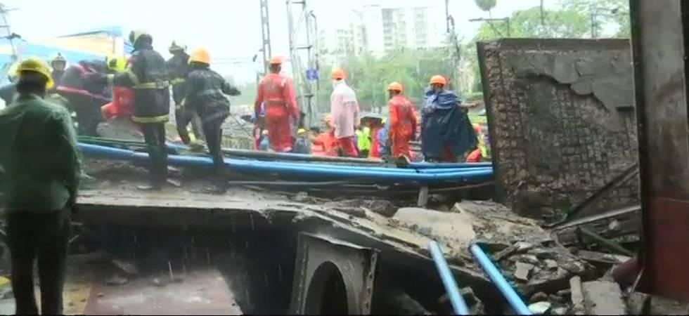 Mumbai: Part of bridge collapses at Andheri station, train services hit (ANI Photo)