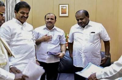 'Fashion' remark on farm loan waiver rings alarm bells for ruling leaders in Karnataka