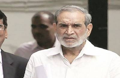 1984 Sikh riot cases: SC seeks Congress leader Sajjan Kumar's response