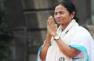 Instead of preparing for PM candidature, let us work together: Mamata to Congress