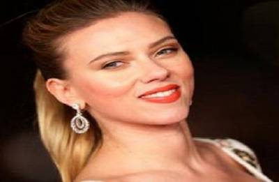 Scarlett Johansson quits trans role after LGBT backlash