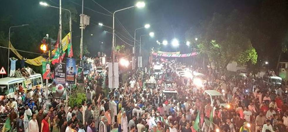 Clashes between police and PML-N workers in Lahore after Nawaz Sharif's arrest