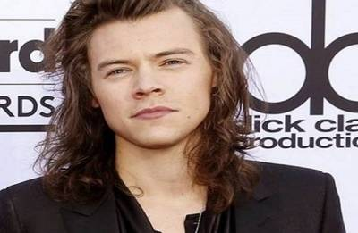 We're all a little bit gay, says Harry Styles