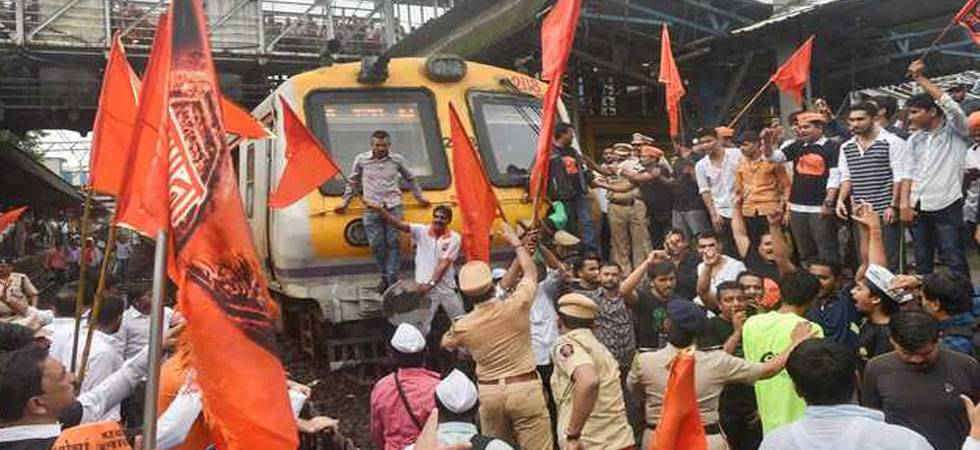 Marathas threaten 'jail bharo andolan'; demand CM Fadnavis' resignation (PTI Photo)