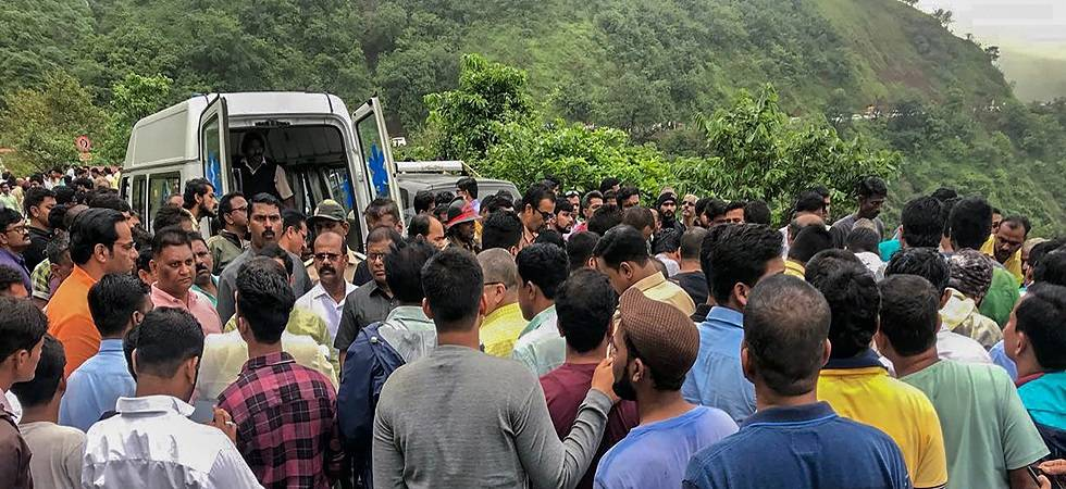 Maharashtra bus accident: Rs four lakh ex-gratia for kin of deceased (Photo: PTI)