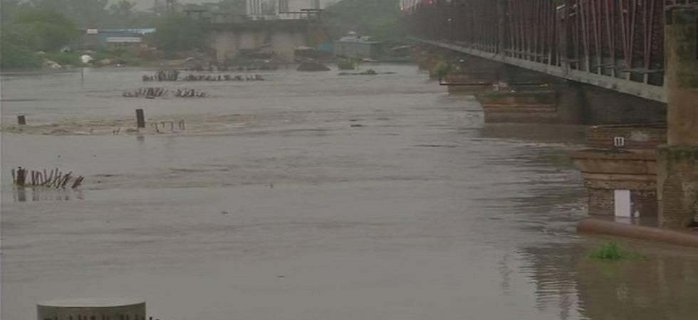 Man drowns while bathing in Yamuna (Photo- Twitter/ANI)
