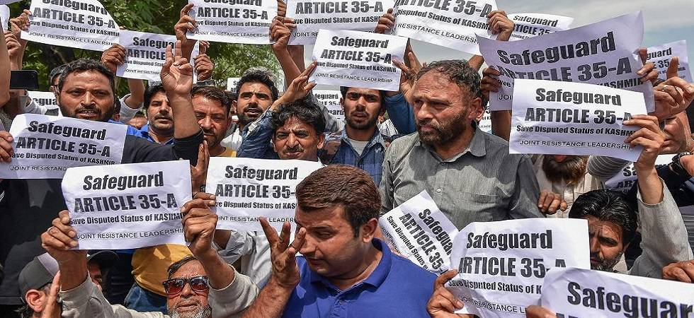 Kashmir shuts down ahead of Supreme Court hearing on Article 35-A (Photo Source: PTI)