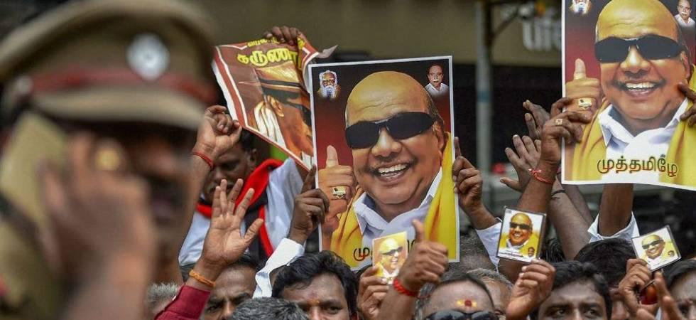 LIVE: Madras HC to hear DMK's plea seeking burial land for Karunanidhi (File Photo)