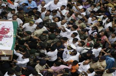 Thousands bid adieu to martyred Army officer
