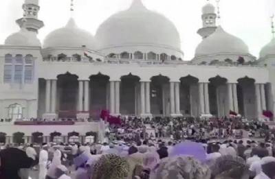 Large protests by Hui Muslims halts demolition of mosque in China: Report