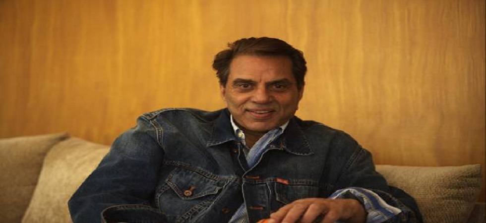 Dharmendra happy with Bobby Deol's Bollywood comeback (file photo)
