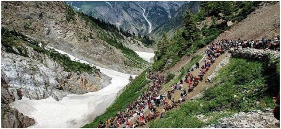 233 pilgrims to join the ongoing Amarnath yatra ( Photo: Twitter/ @KashmirHorizon)