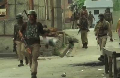 Jammu and Kashmir:  Policeman killed, three injured in Batamaloo encounter