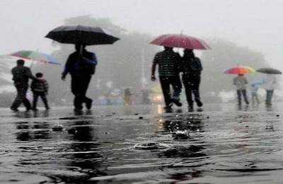 Rain affects normal life in Odisha, trains cancelled