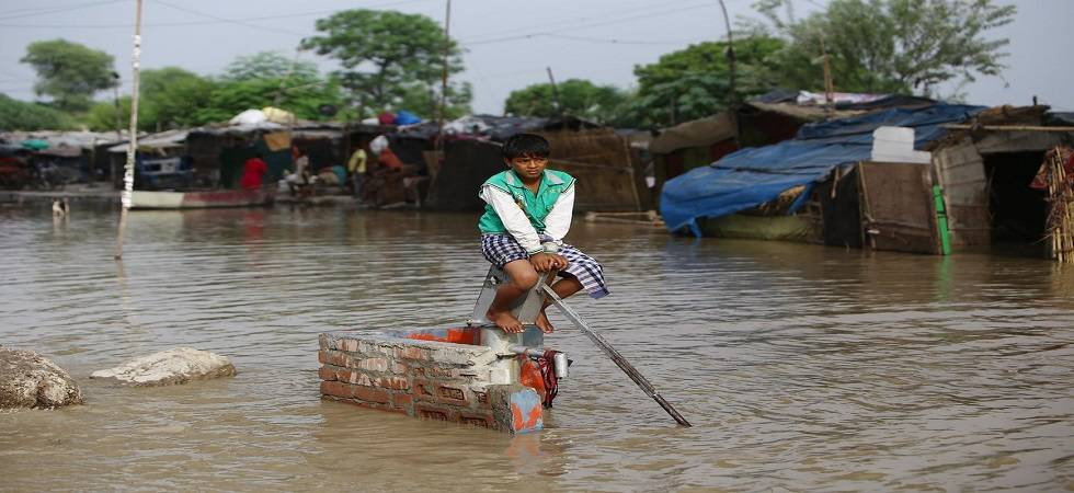 Delhi: Yamuna crosses danger mark; 613 people evacuated (Photo- Twitter/@AmarjeetKSingh_)