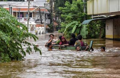 Indian celebrities express their support to people stranded in Kerala Floods