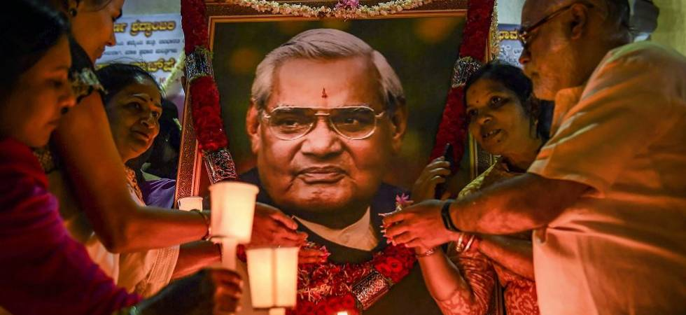Vajpayee's ashes to be immersed in rivers in all UP districts (File Photo)