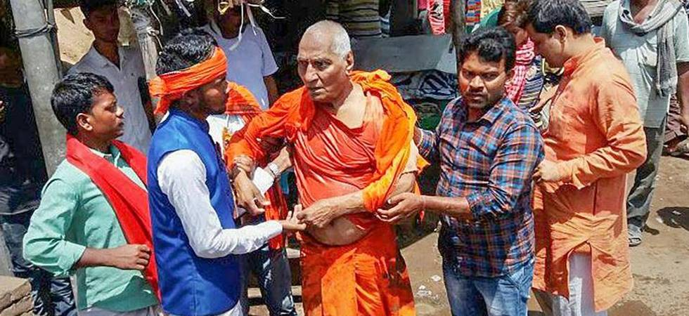 Agnivesh attacked on way to BJP office to pay homage to Vajpayee (Photo: PTI)