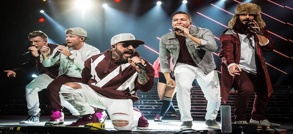 Fourteen injured after structure collapses at Backstreet Boys concert venue in Oklahoma (Photo- Twitter/@billboard)