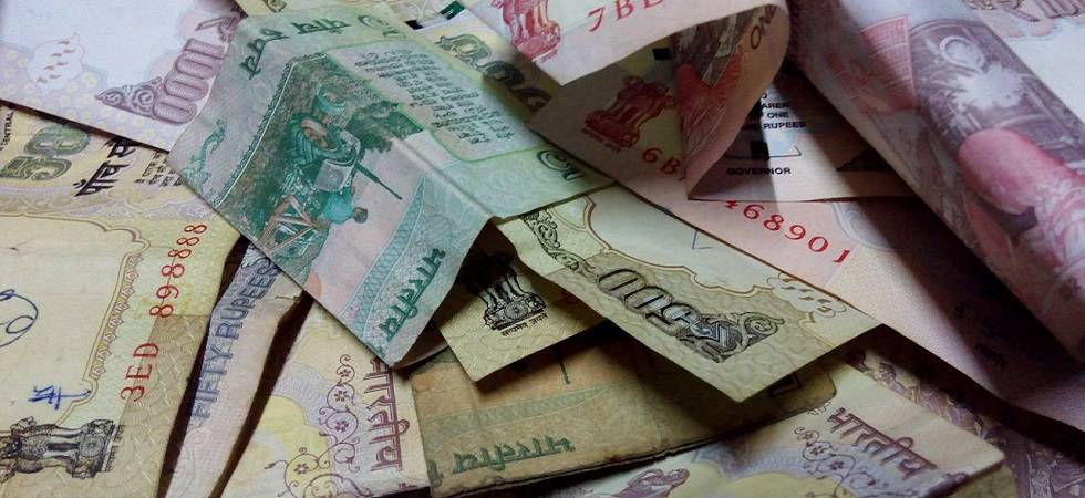 FBIL sets rupee reference rate at 69.7617 against dollar (file photo)