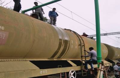 Central Railway sends over 14 lakh litres of drinking water to Kerala by special train
