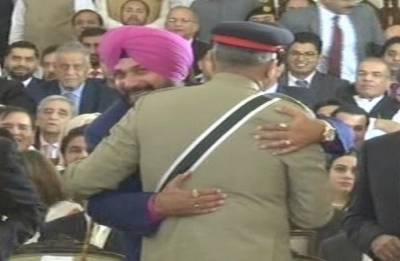 Is Sidhu's bizarre rendezvous in Pakistan a misdemeanour or downright folly?