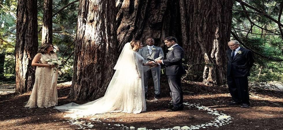 Hilary Swank marries boyfriend Philip Schneider in secret wedding (Photo- Twitter/@bestofoliviab)