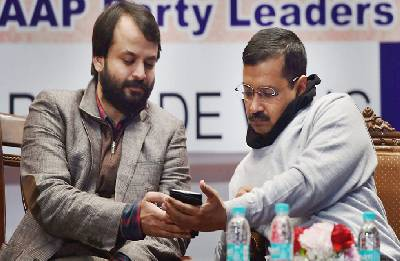 Rumblings in AAP signals tougher road ahead for Arvind Kejriwal