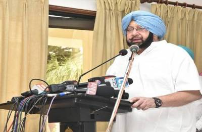 Faridkot police firing: Amarinder Singh hands over compensation cheques to victims' families