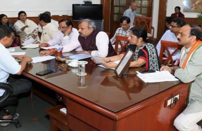 Mayors meet CM Kejriwal, seek release of civic funds