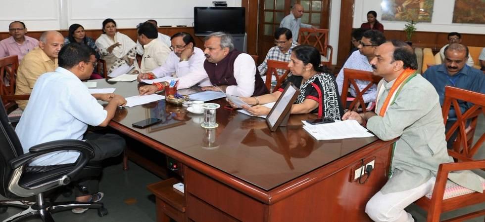 Mayors meet CM Kejriwal, seek release of civic funds (Photo: Twitter)