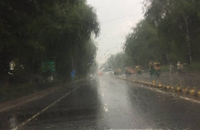 Heavy rains lash Delhi-NCR, waterlogging disrupts traffic in Gurgaon