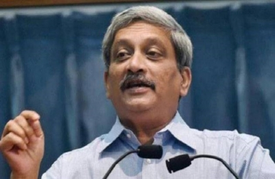 Parrikar should hand over charge to somebody: Congress