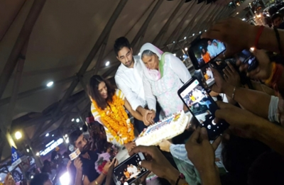 Vinesh Phogat completes engagement at Delhi airport after winning gold medal at Asiad