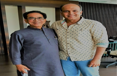 Ashutosh Gowariker: Hindi poet Ashok Chakradhar to write 'Panipat' dialogues