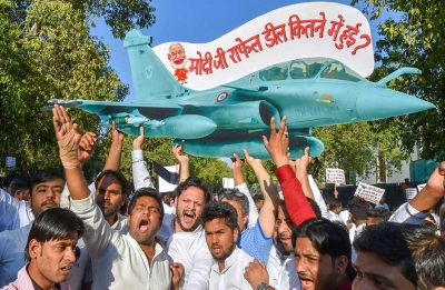 Congress starts protest march over 'Rafale Scam'; likely to gherao PM Modi's house