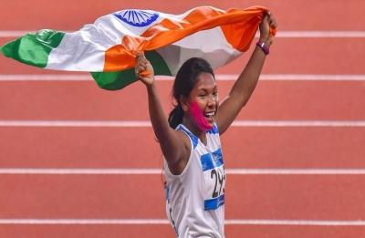 Mamata Banerjee offers government job, Rs 10 lakh to gold medallist Swapna Barman