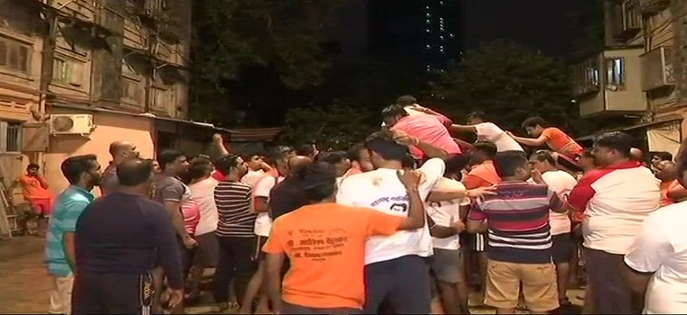 One dead, 121 injured in Dahi Handi celebrations in Mumbai (Photo: Twitter/ANI)