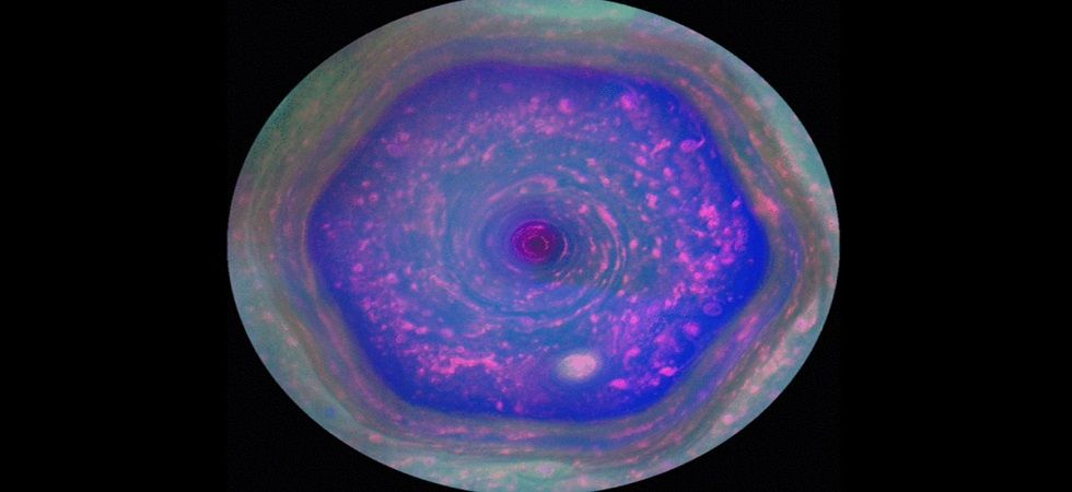 Cassini mission: Towering hexagonal vortex spotted on Saturn (Photo- Twitter/@Space_LR)