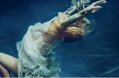 Avril Lavigne teases music comeback