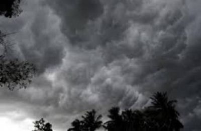 Weather Alert: Delhi wakes up to sunny sky, moderate rainfall likely in Mumbai