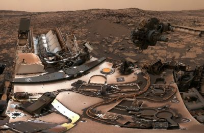 NASA's Mars Curiosity rover sends a selfie home from Mars