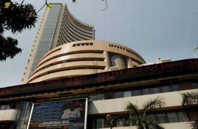 Sensex crashes 509 pts to end at over 1-month low on global trade woes