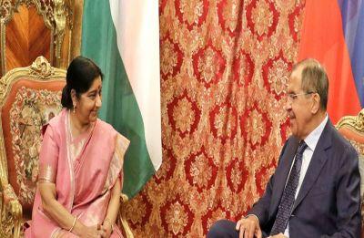 Sushma Swaraj meets Russian FM Lavrov in Moscow