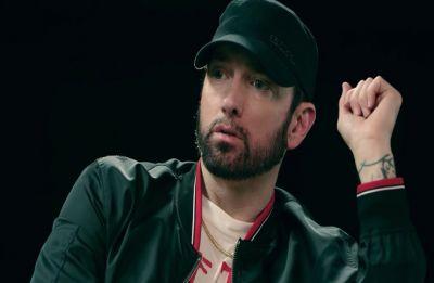 Eminem apologises for using homophobic slur on 'Kamikaze' album