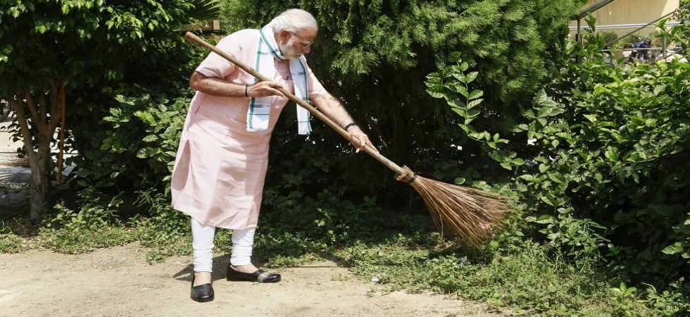 Swachhata Hi Seva LIVE: PM Modi launches 'Clean India' movement (Photo Source: PTI)